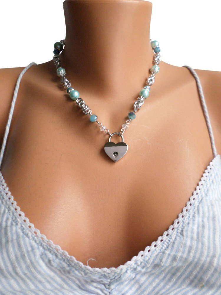 blue-pearl-female-slave-collar-serenity-in-chains
