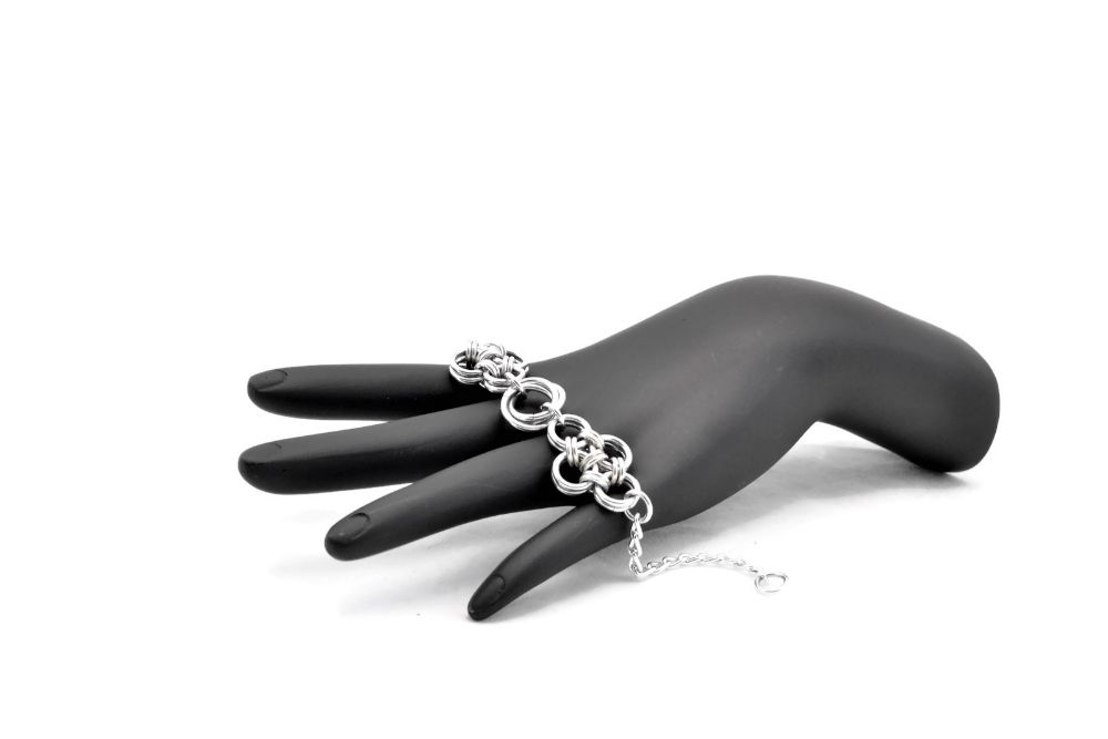 silver-chain-bracelet-with-flowers-blooming-blossom-japanese-lace-by-serenity-in-chains