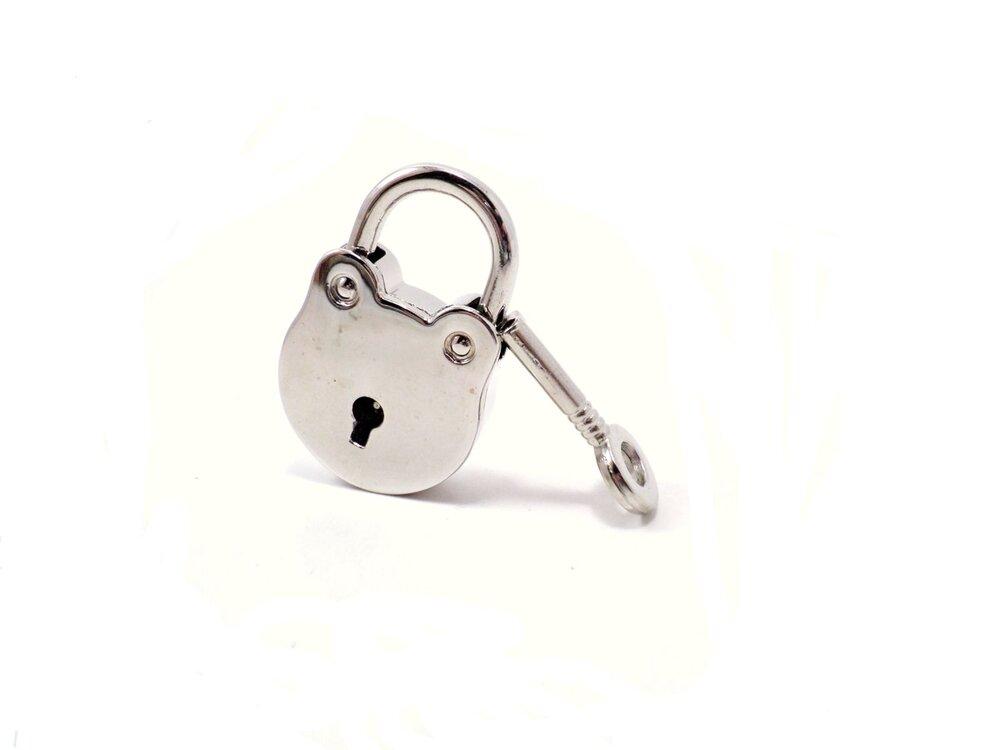 round-silver-bdsm-lock-by-serenity-in-chains-1