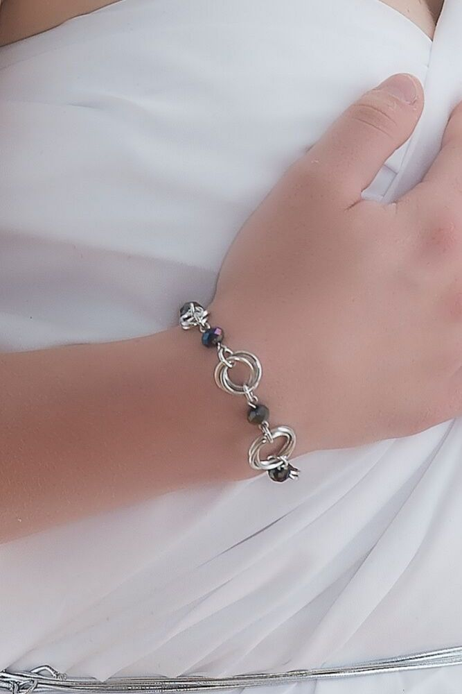 chainmail-silver-wrist-chain-bracelet-descending-by-serenity-in-chains
