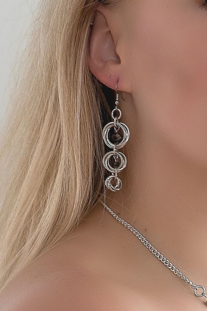 witney-wearing-silver-drop-statement-earrings-silver-circle-drop-earrings-goddess-descending-by-serenity-in-chains