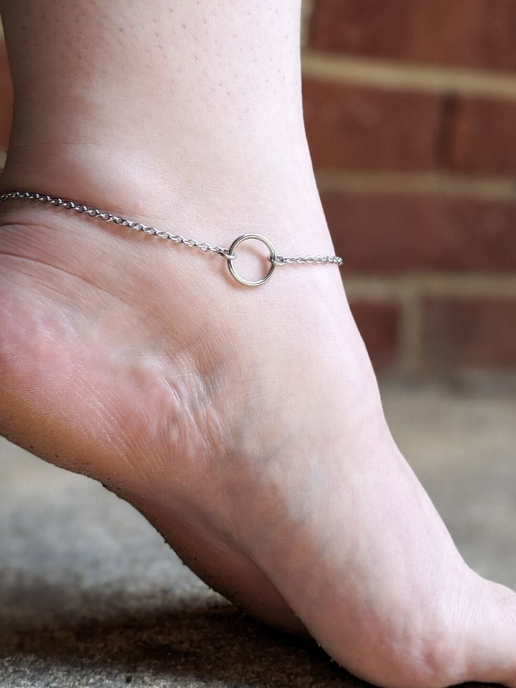 stainless-steel-bdsm-anklet-by-serenity-in-chains