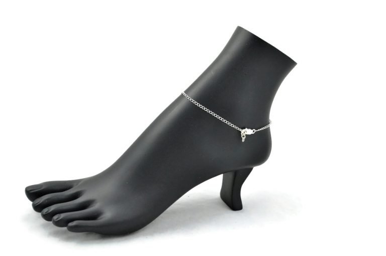 lucky clover anklet clasp by serenity in chains