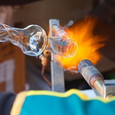 glass blowing at art of fire in royal oak